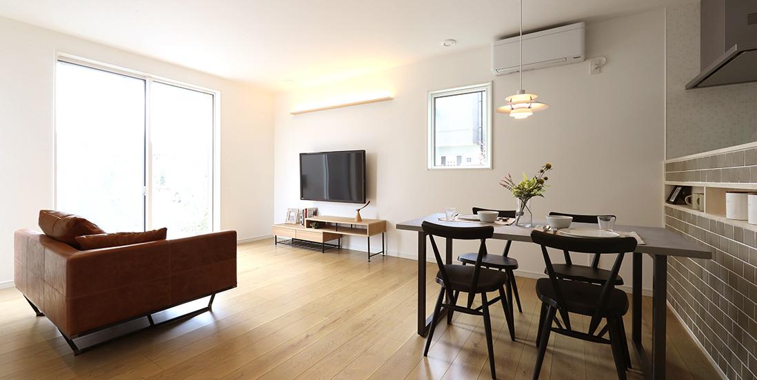 ファーバル北名古屋市モデルハウス「高性能で暖かな家でリビングに集う健やかな家族」
