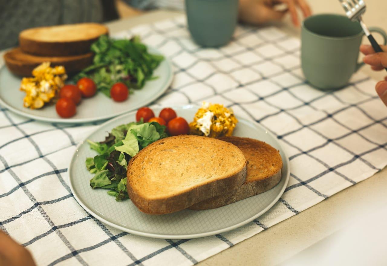 「あれ?パンが美味しくなった?」 家の中の湿度が一定だから、 ホームベーカリーのパンも 美味しく焼けるらしい。